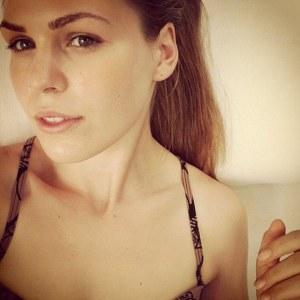 Belle Gibson2